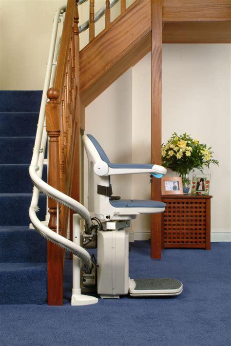 monte personne pour escalier fauteuil monte escalier courbe