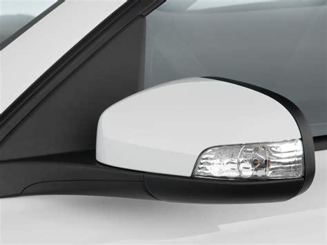2010 Volvo C30 2-door Coupe Auto Mirror, Size