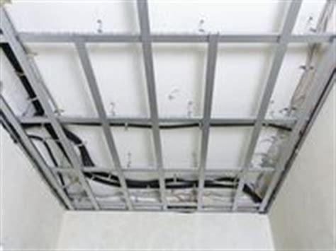 decke abhängen metallunterkonstruktion knauf knauf diy decken abh 228 ngen