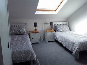 Large, Twin, Room
