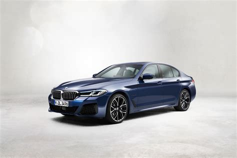 Bmw has refreshed the 5 series for the 2021 model year. 2021 BMW 5 Series: Free Ultimate Reference Guide to This ...