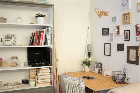 espace bureau dans salon un coin bureau emilie sans chichi