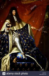 Louis 14 : louis xiv king of france 1643 1715 as chief judge1685 painter stock photo 122772898 alamy ~ Orissabook.com Haus und Dekorationen