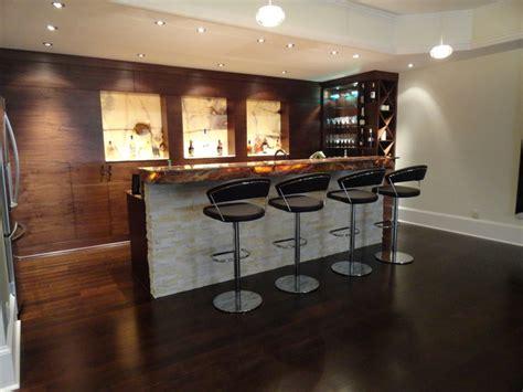 cuisine en sous sol modern walnut basement bar moderne sous sol atlanta