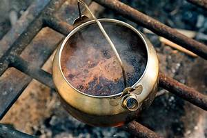The Ultimate Guide to Camp Coffee: 13 Ways to Brew Coffee ...