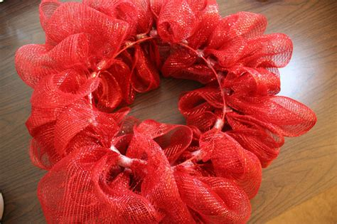 how to make mesh garland with lights how to make a mesh ribbon wreath chica and jo