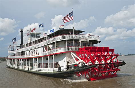 Ohio River Boat Cruises by 10 Things You Can Only Do In America Smartertravel