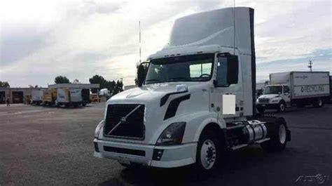 2012 volvo big rig volvo vnl42300 2012 daycab semi trucks
