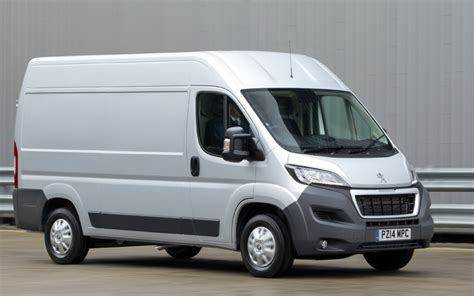 peugeot van boxer new peugeot boxer review business vans