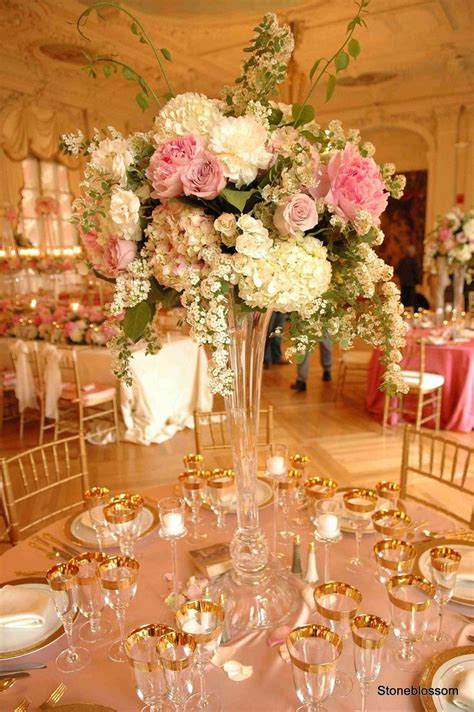 I Want The Flowers And How Classy Table Looks Wedding