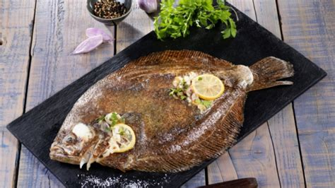 poisson à cuisiner recette barbue dorée à la poêle cuisiner barbue recettes poisson facile