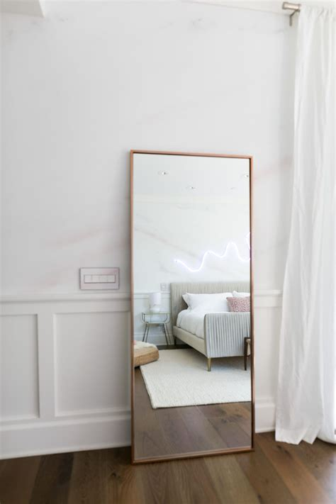Bedroom Decor With Mirrors