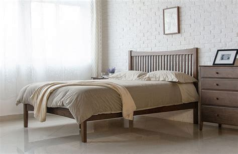 Famous Walnut Wood Bed Frame &gc77