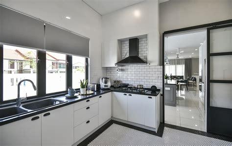 interior designer      small