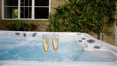 cottage hire cotswolds large self catering property for hire in the cotswolds