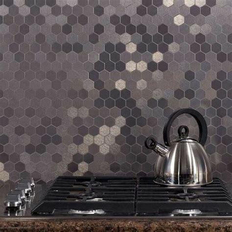 carrelage adhesif pour cuisine le carrelage mural en 50 variantes pour vos murs