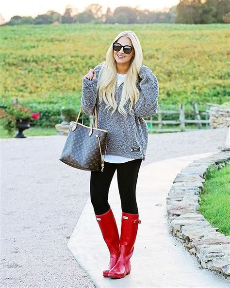 Red Hunter Rain Boots Outfits