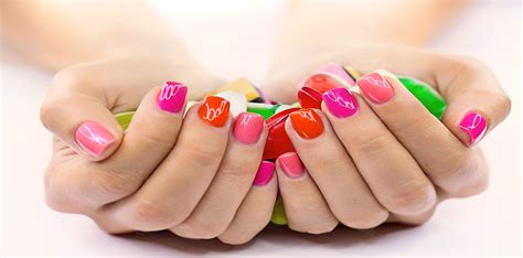 Near Me Nails Le S Nail And Spa Nail Salons Near Me