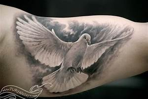 Dove Tattoo Images & Designs
