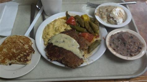 arnolds country kitchen arnold s country kitchen roadfood 1352