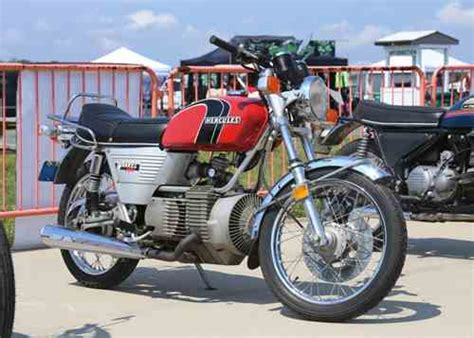 2nd annual ahrma vintage festival at new jersey motorsports park mc events motorcycle classics