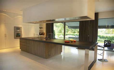 table de cuisine pour petit espace cuisine avec ilot central pour manger cuisine en image
