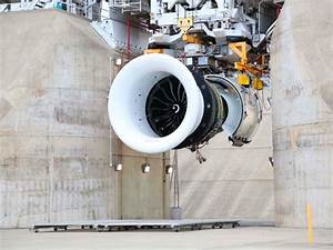 Le Plus Gros Moteur Du Monde : le constructeur am ricain ge lance le plus gros moteur d avion civil au monde sciences et avenir ~ Medecine-chirurgie-esthetiques.com Avis de Voitures