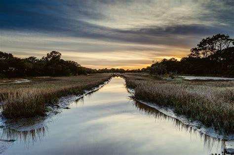 landscape lens   money nikon  mm