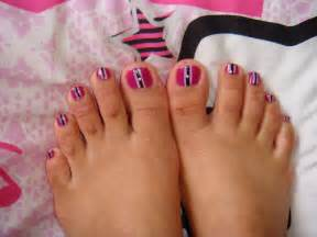 Steps make the design nails with pink nail polish