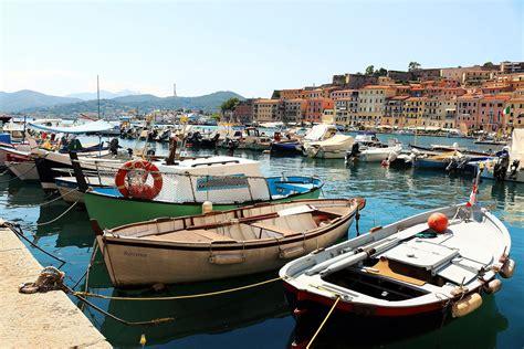restaurant gastronomique var 83 auberge du port bandol restaurants port et bord de mer marseille