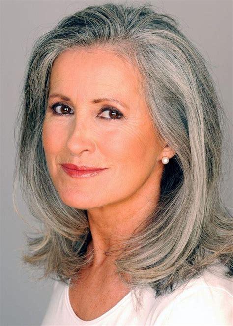 graue haare frisuren vorschläge die beliebtesten lange frisuren f 252 r graue haare mit hinblick auf die langen grauen haare lange