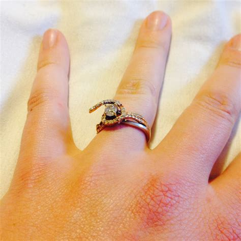 what does it when your engagement ring breaks before