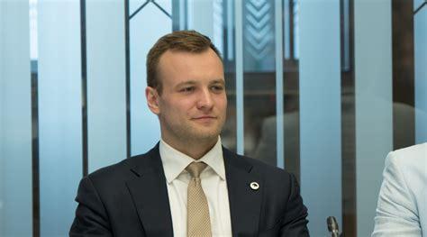 Deputāts Znotiņš: Vecāki, kuru sākumskolas vecuma bērns nevar apmeklēt skolu vai skolā ir ...