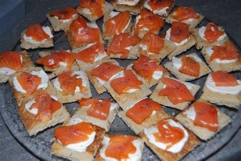 canapé au saumon fumé canapés au saumon fumé recette recette et déco de véro