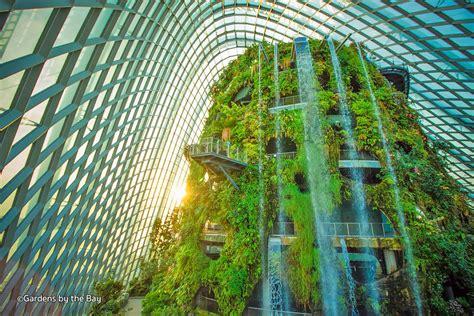 Hotel Near Garden By The Bay Singapore - gardens by the bay singapore s futuristic green space