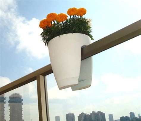 vasi da ringhiera vasi per arredare la casa con stile idee green