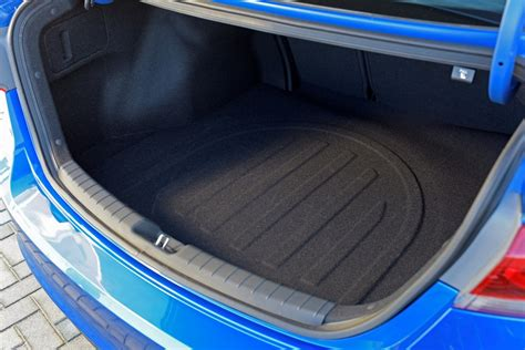 Hyundai Accent Trunk Space by 2017 Hyundai Elantra Cargo Space In The Trunk The News Wheel