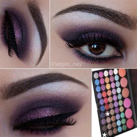 Как делать макияж со стразами на глазах?