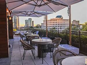 11 Best Rooftop Bars In Atlanta For Drinks And Cool Breezes
