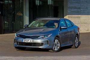 Voiture Hybride Rechargeable Renault : photo kia optima hybride rechargeable europe 0007 ~ Medecine-chirurgie-esthetiques.com Avis de Voitures