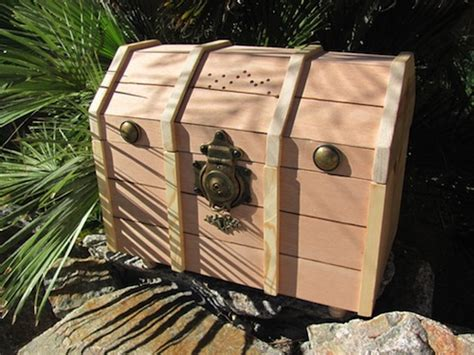 building nice wood  toy box plans treasure chest