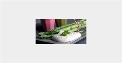 cuisiner les asperges cuisiner les légumes de saison asperges sauce fraîcheur