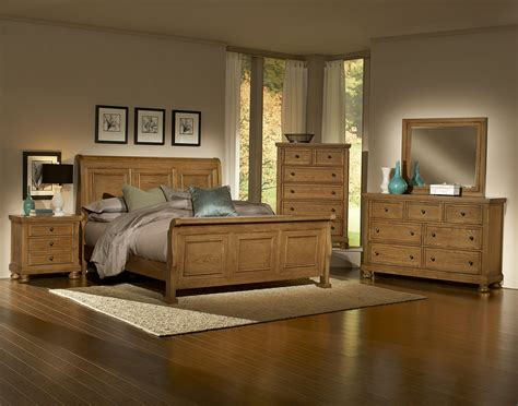 Bassett Vaughan Bedrooms by Vaughan Bassett Reflections 550 Oak Bedroom