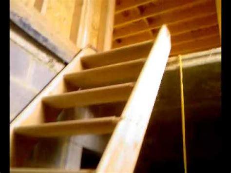 montage escalier mp4