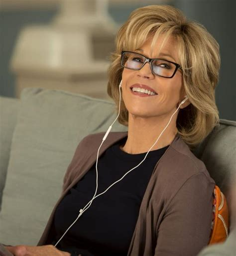 fonda netflix see jane fonda in the trailer for grace and frankie instyle