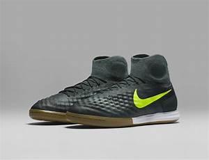 Nike football floodlights pack news