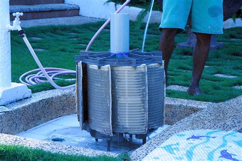 How To Keep Your Tropical Swimming Pool Clean