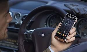 Telephone Vertu Prix : vertu et bentley concr tisent avec un smartphone 12500 euros ~ Medecine-chirurgie-esthetiques.com Avis de Voitures