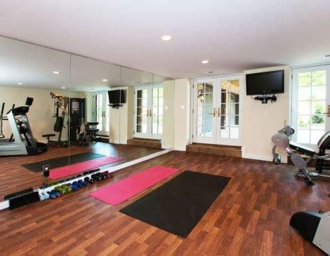fitnessraum einrichten tipps und ideen fuer ein fitness