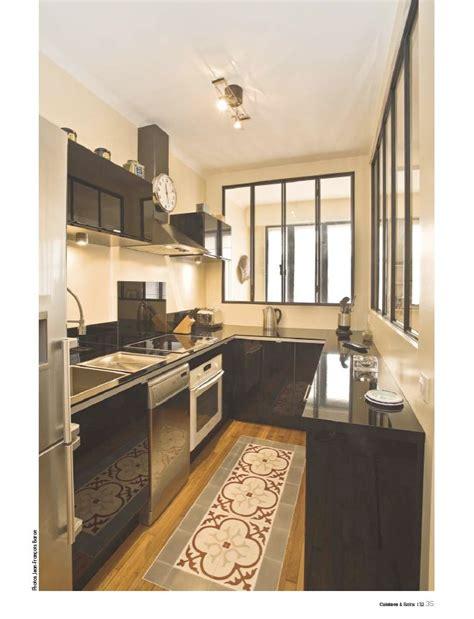cuisine carreaux de ciment cuisine type loft avec sa verrière et tapis de